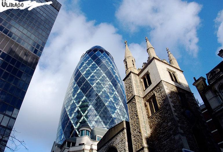 Небоскреб Мэри-Экс в городе Лондон
