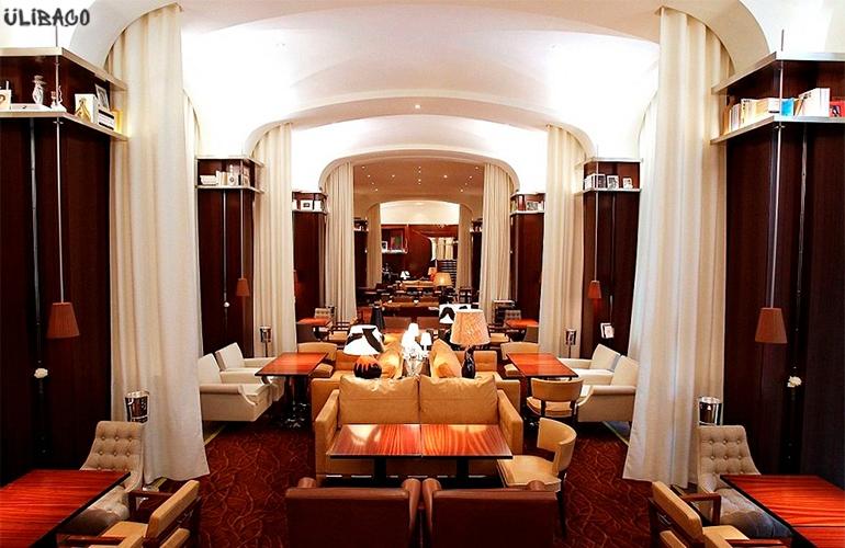 Филипп Старк Отель Le Royal Monceau 1