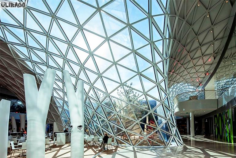 Массимилиано Фуксас Bory Mall 5