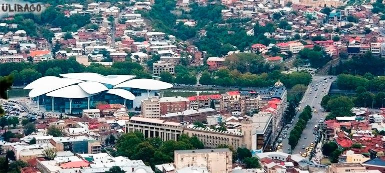 Массимилиано Фуксас Центр госуслуг в Тбилиси 3