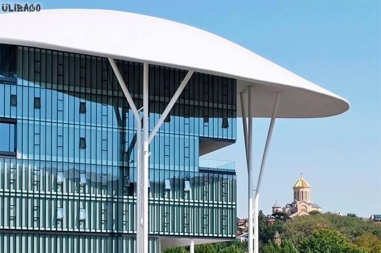 Массимилиано Фуксас Центр госуслуг в Тбилиси 5