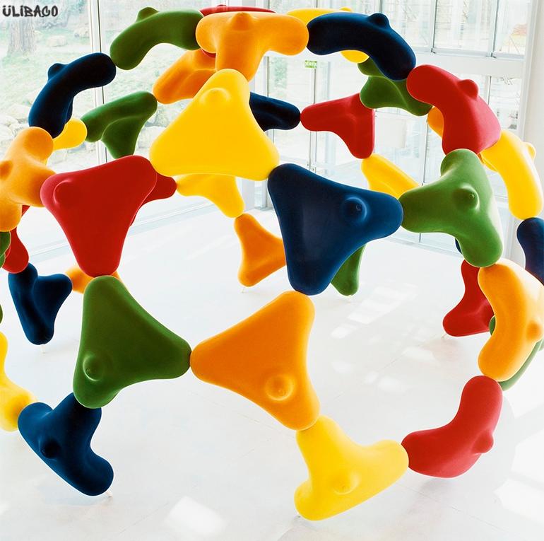 Марк Ньюсон Bucky Chair Installation 3